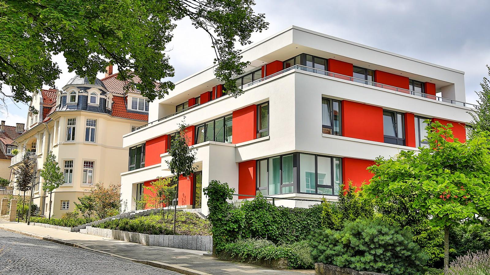 Neubau mehrfamilienhaus in hildesheim jung for Mehrfamilienhaus modern