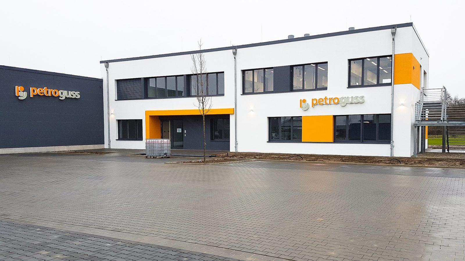 Neubau eines Verwaltungs- und Laborgebäudes mit Lagerhalle | JUNG - Architekturbüro, Innenarchitekturbüro Hildesheim